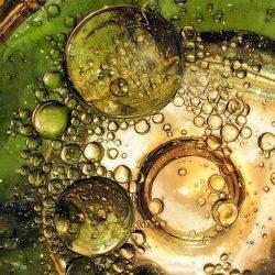 bubbles-584274__480-aceite-en-agua